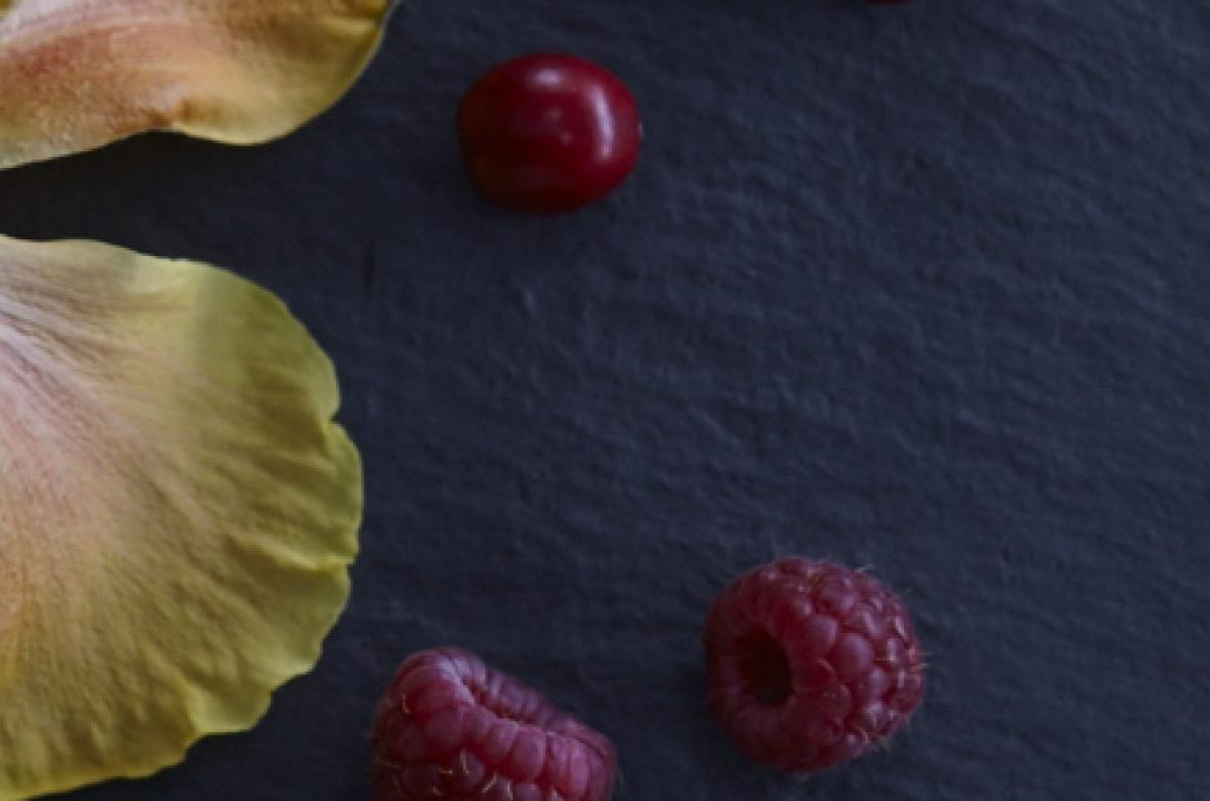 cropped-numi_ingredients_berry_orchard_main_050.jpg